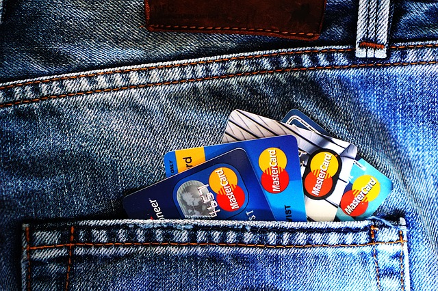 Kad Kredit, Kad Caj atau Kad Debit, Mana Pilihan Yang Untung